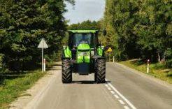 Więcej o: Uwaga namaszyny rolnicze nadrogach