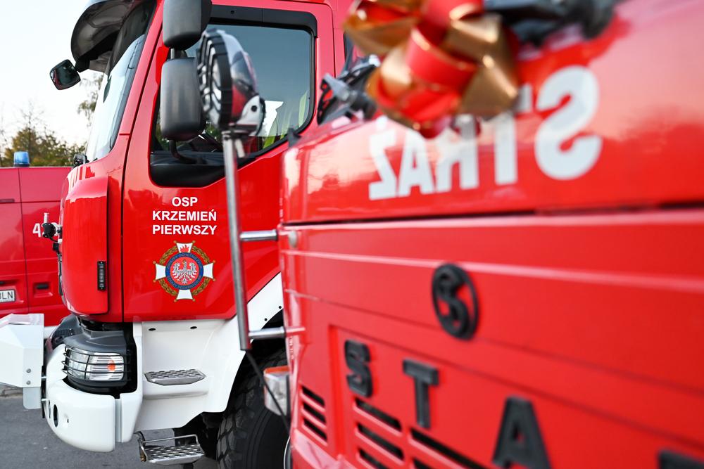 Przekazanie samochodu strażackiego Star 244 dla OSP Krzemień Drugi